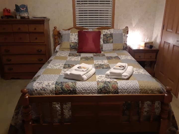 Private Suite, Close to Nature, Middlebury, VT