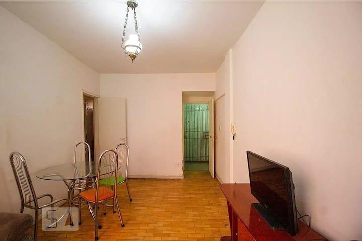 Apartamento de 3 quartos mobiliado