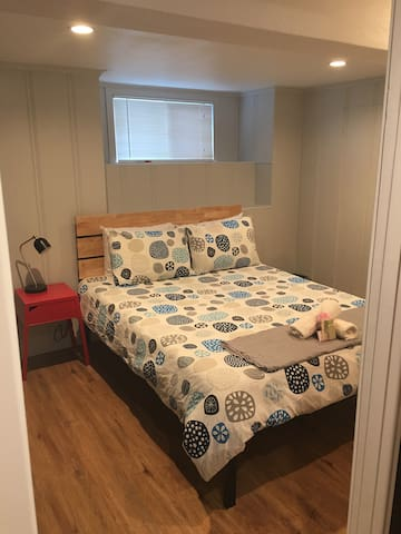 Newly remodeled Unit near SFO (C1)