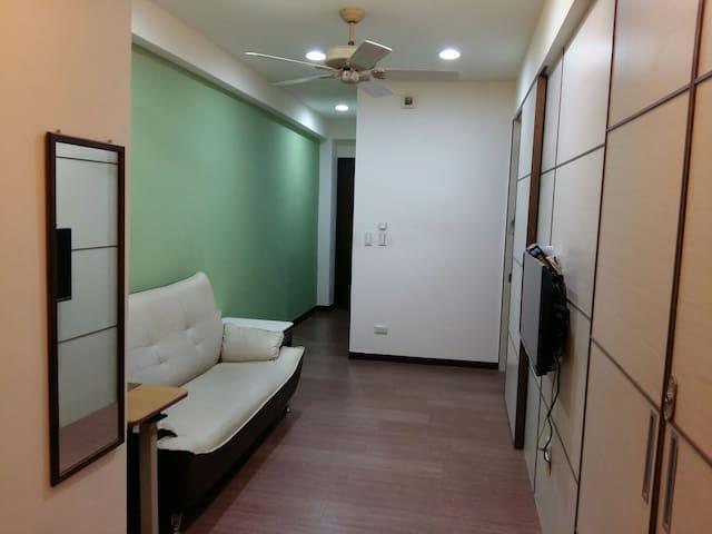 綠屋:台中火車站電梯小公寓 - Central District - Pis