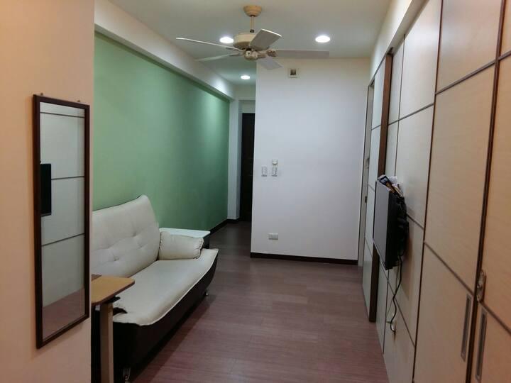 綠屋:台中站前電梯公寓(32平方米)下訂前請詳讀房源描述及規則(只限訂屋人自住,不能代訂)