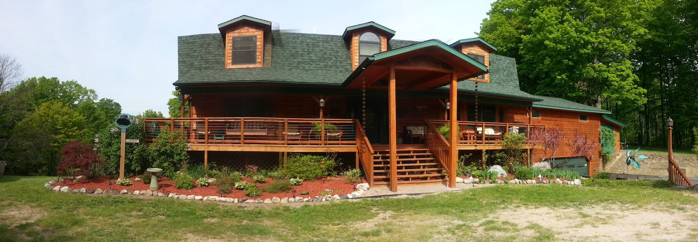 TORCH LAKE COUNTRY INN B&B, LLC