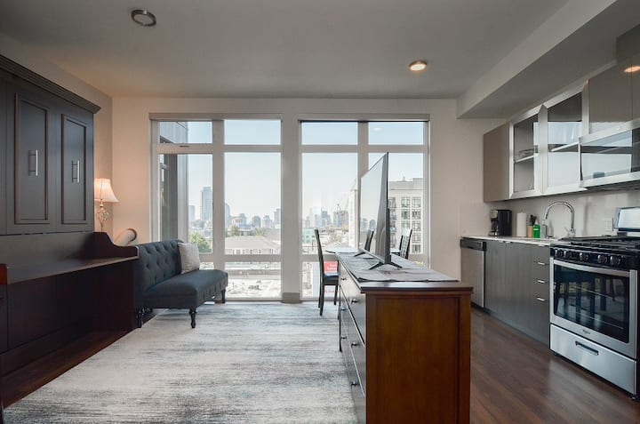 Monthly Furnished Seattle Capitol Hill Studio