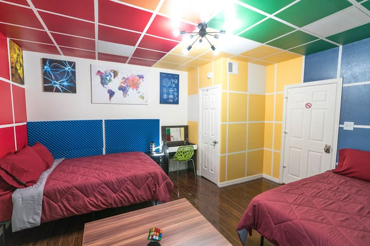 East Downtown Rubiks Studio. ✓EXCELLENCE+VALUE✓