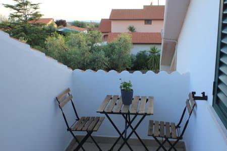 Mansarda per vacanza mare - San Vincenzo - Appartamento