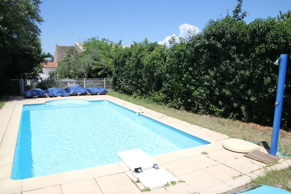 Appartement ds maison avec piscine houses for rent in for Construction piscine gigean