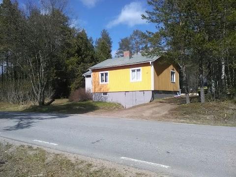 Nice house with new bathroom, good access