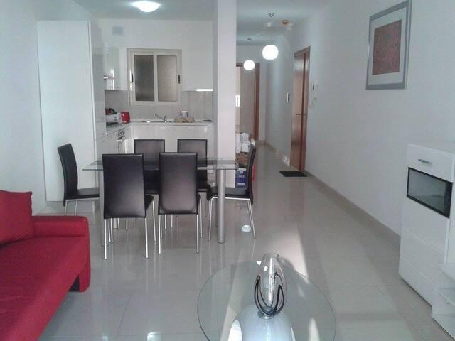 1 bedroom apartment, 500m from the sea & Sliema - Gżira - 公寓