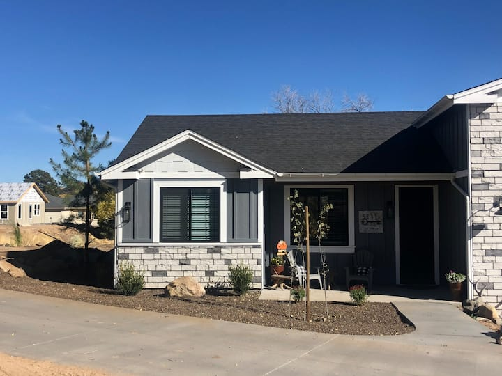 Brand New 2 bdrm Hideaway in the Simple Country