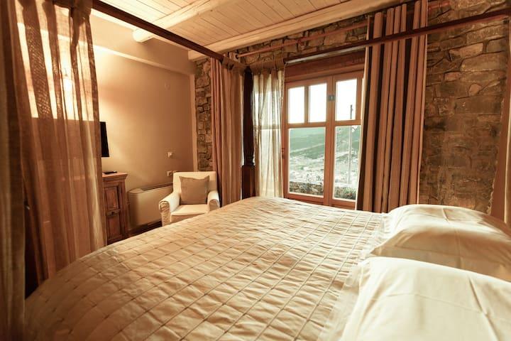 Chalet Azanias - Maisonette - Kalávrita - Bed & Breakfast