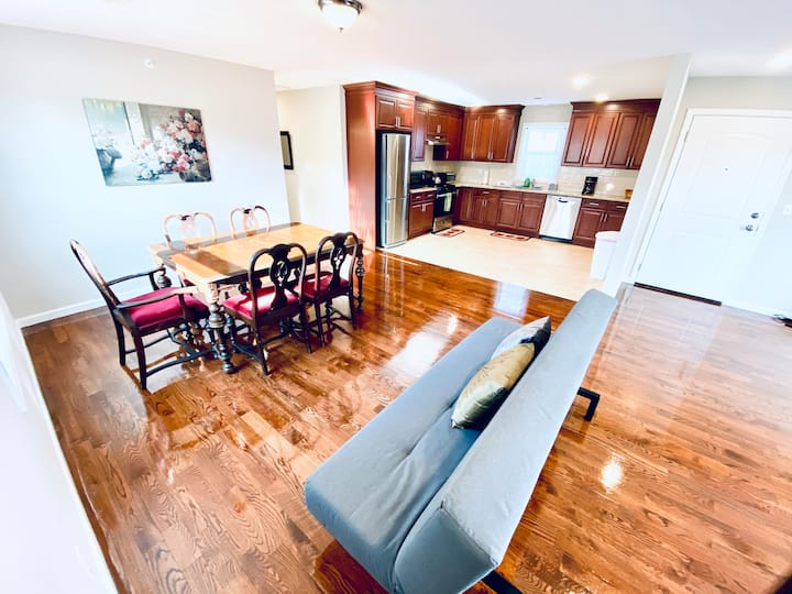 *3 BEDROOM APT NEAR NEWARK-AIRPORT/NYC/OUTLETMALL
