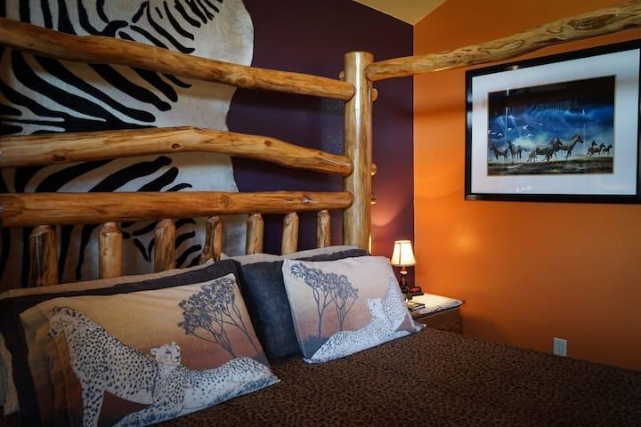 Mt. Princeton Room - Buffalo Peaks Bed & Breakfast