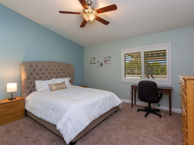 Temecula Master Suite & Bath~30+night stay