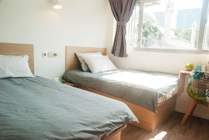 Twin Bed Room for 3pax, lovely view near TST MTR