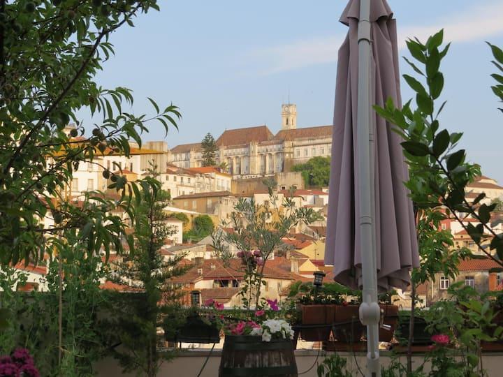 Sunrise Apartment Coimbra: 2 bedrooms/ 2 baths