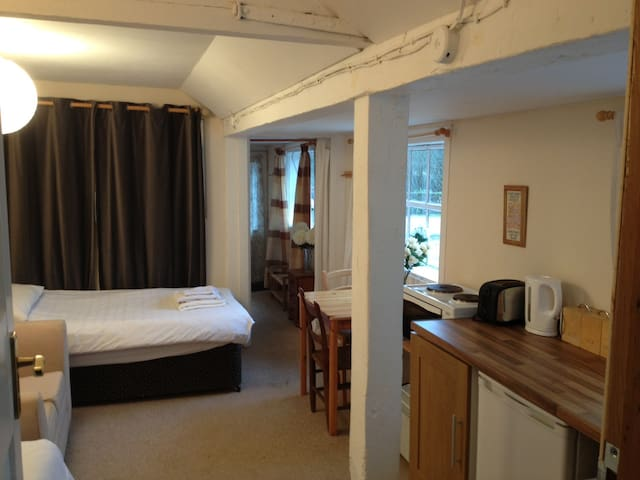 The Stables - Cosy self contained apartment - Rickmansworth - Apartment