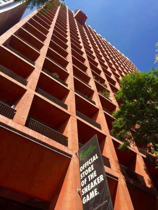 Torre contemporanea / Contemporary Tower