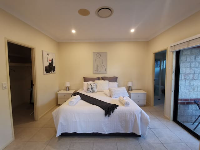 Private, Stylish AND conveniently  located