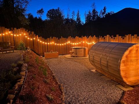 Moosu Guest House and Spa, Cedar Hot Tub and Sauna