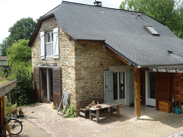 Maison en Soule, coeur du Pays Basque,calme assuré - Sauguis-Saint-Étienne - House