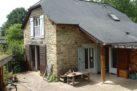 Maison en Soule, coeur du Pays Basque,calme assuré - Sauguis-Saint-Étienne - Talo