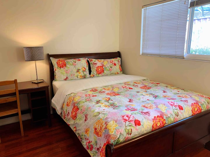 #3 Quiet clean private room close to shops &I-880