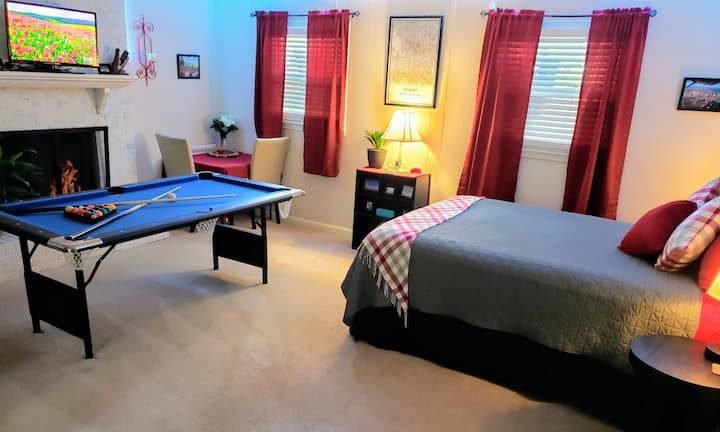★12Oaks★Quiet Pvt Studio Close to DT! Gym+2 BIKES!