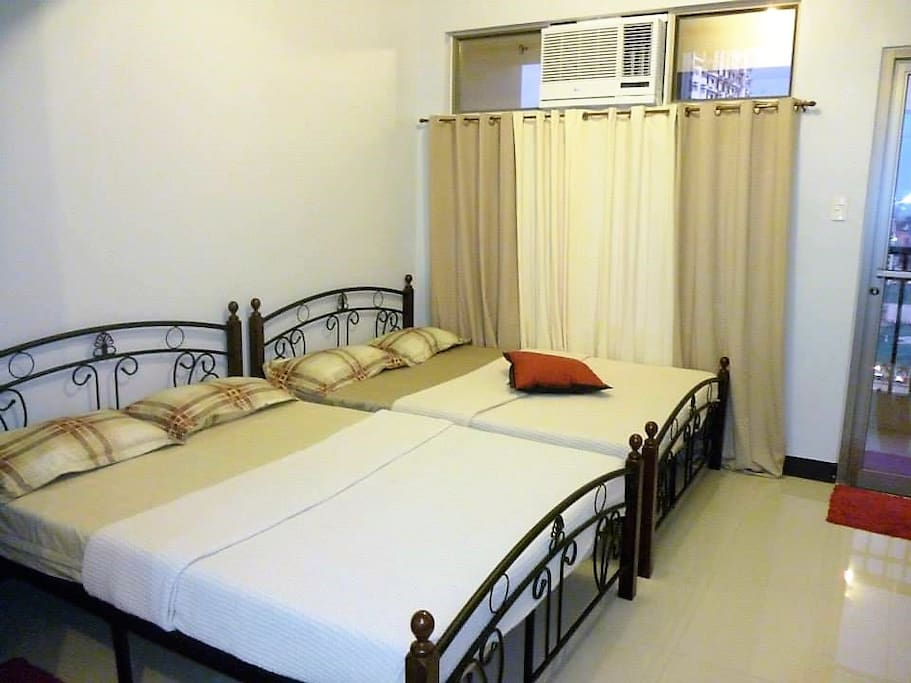 Bedroom with 2  HP  aircon