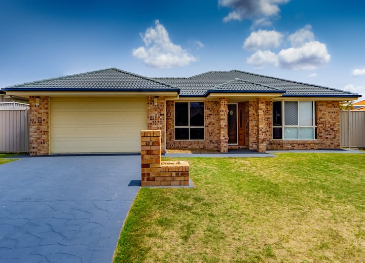Large Executive and Family Home - Flinders View