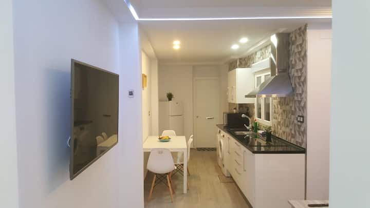 LOWCOST. recently remodeled. 15min centro