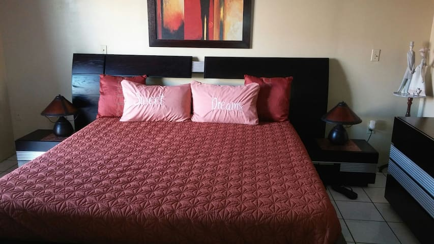 KIND SIZE BED