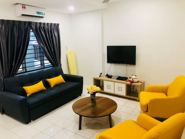 YoLodge Bukit Tinggi, Klang  Stay19+1pax 【婚嫁】 中文房东