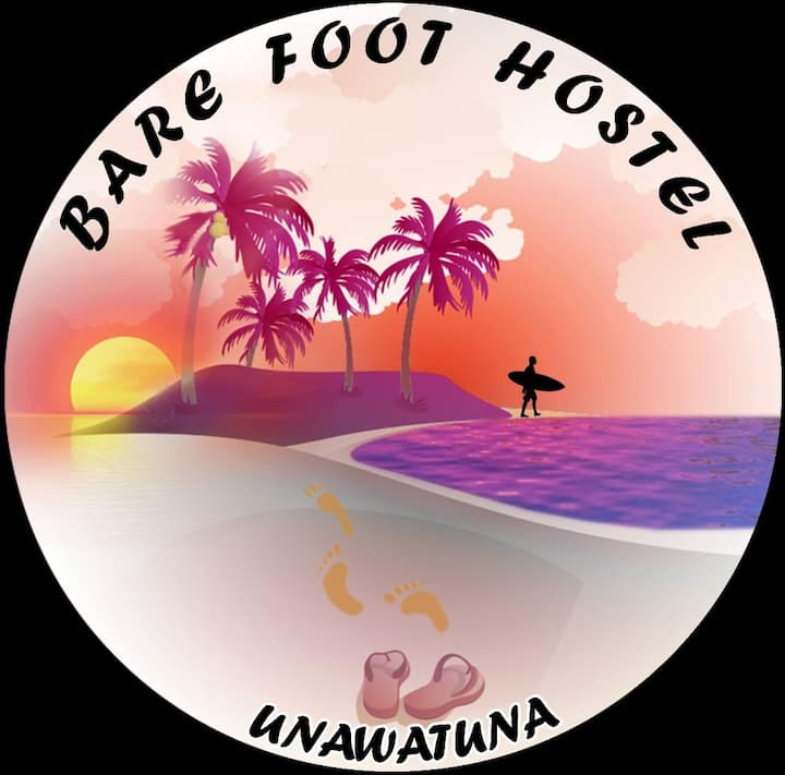 BARE FOOT HOSTEL & Surf School