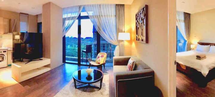Riverson Suite - Pool Sunset View  泳池晚霞公寓