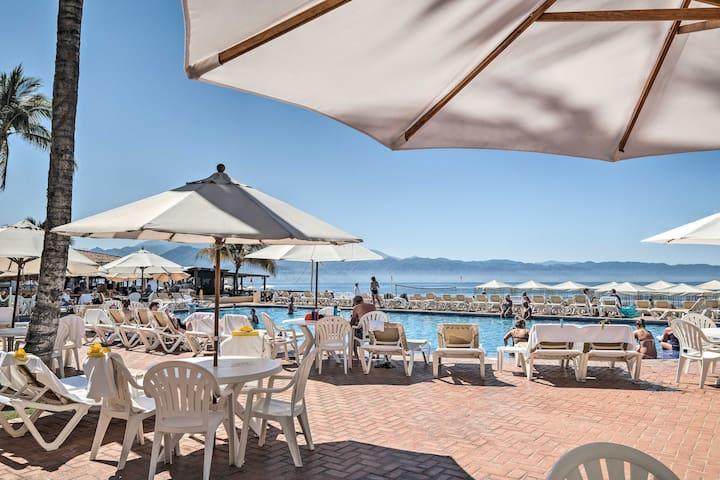 Puerto Vallarta Condo w/Beachside Resort Amenities