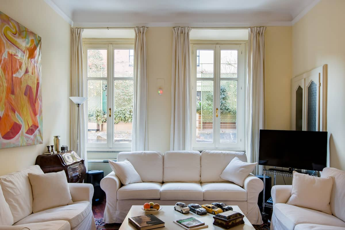 Finely Furnished Flat near Cadorna Station/Metro