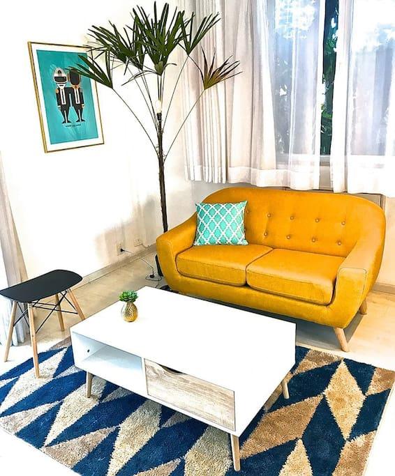TROPICAL-SUITE lounge.