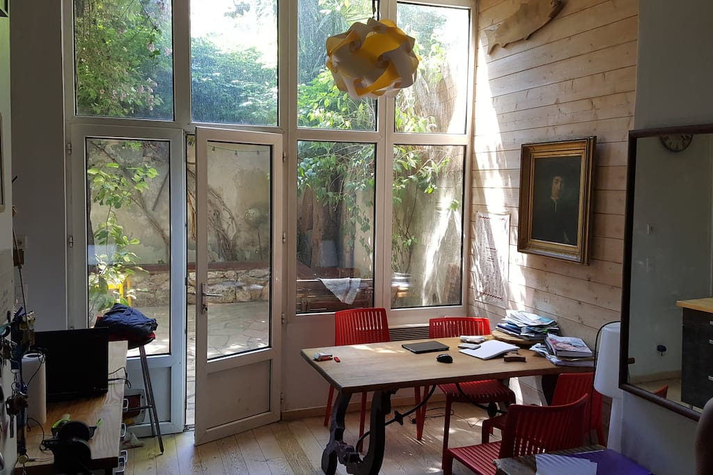 jolie petite maison montpellier maisons louer montpellier languedoc roussillon midi. Black Bedroom Furniture Sets. Home Design Ideas