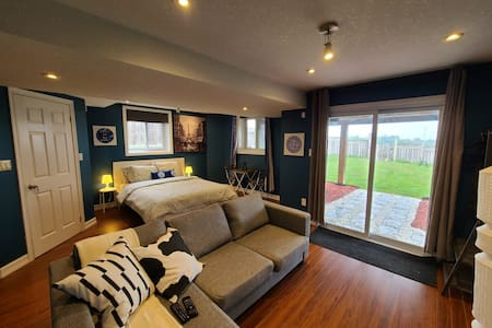 Private walkout suite - Kitchener