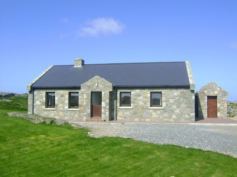 Keeraunmore: Luxury Sea View Cottage