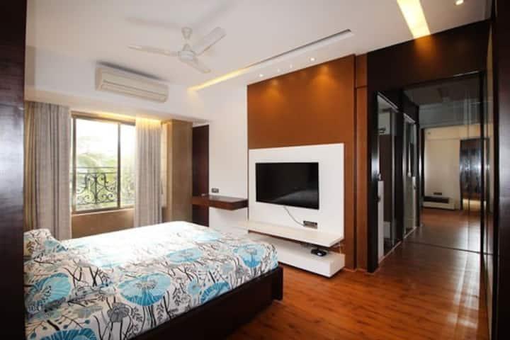 AC Room B, near Famous Elco Restaurant, Bandra W