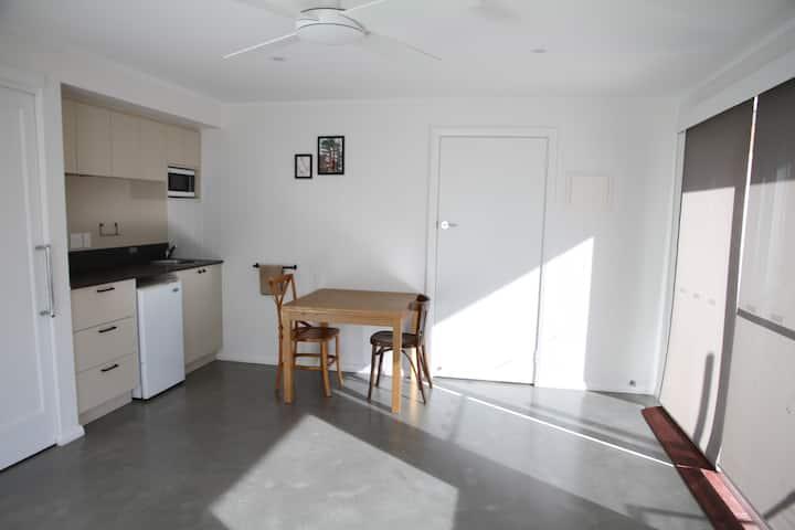 Accessible studio close to Fremantle