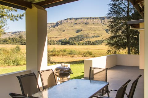 Sunset Cottage - Kamberg Valley Hideaway