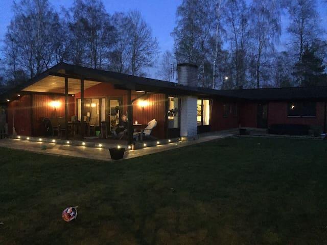 Boende för det större sällskapet - Hemmeslövsstrand - Haus