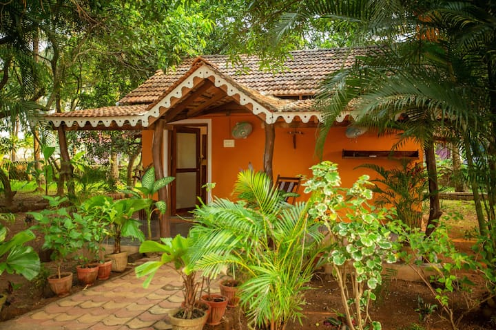 Goan Farmhouse Getaway/Eco Friendly accommodation