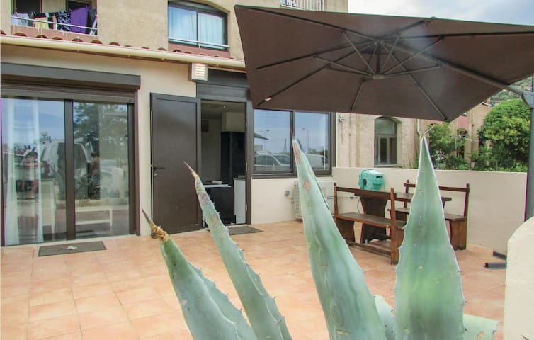 Holiday apartment with 2 bedrooms on 63m² in Algajola