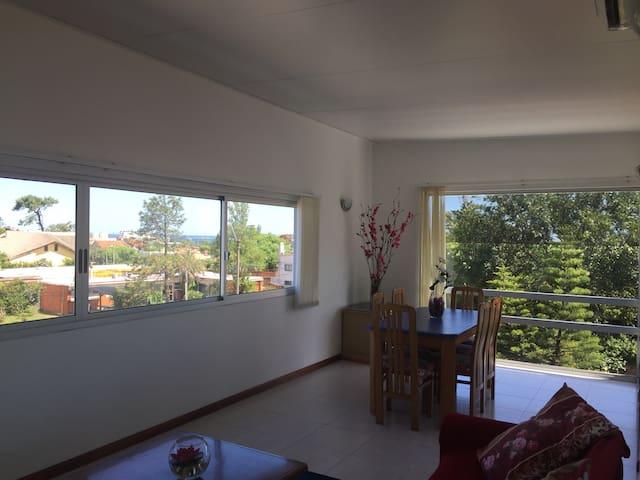Apartamento con vista al mar - Maldonado - Departamento