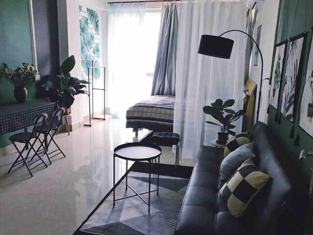 有家温暖绿格子302房