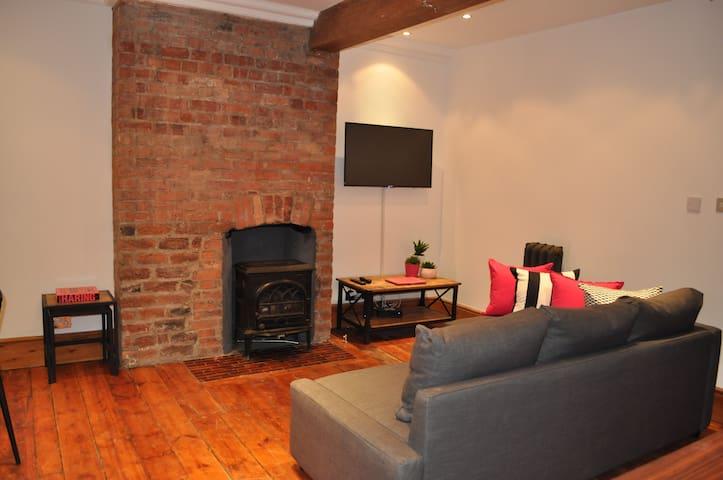 FABULOUS Flat,Central Clifton location University