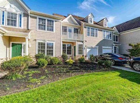 Beautiful Townhome in Avalon Links Golf Course